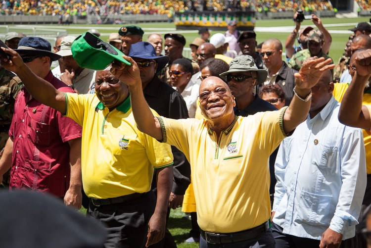 Photo of Jacob Zuma and Cyril Ramaphosa