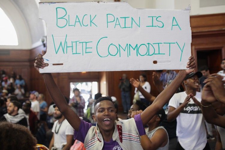 UCT students protest over fees