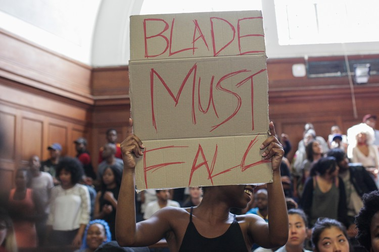Photo of UCT students protest over fees