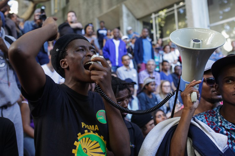 Photo of 3rd October protest and shutdown at UCT