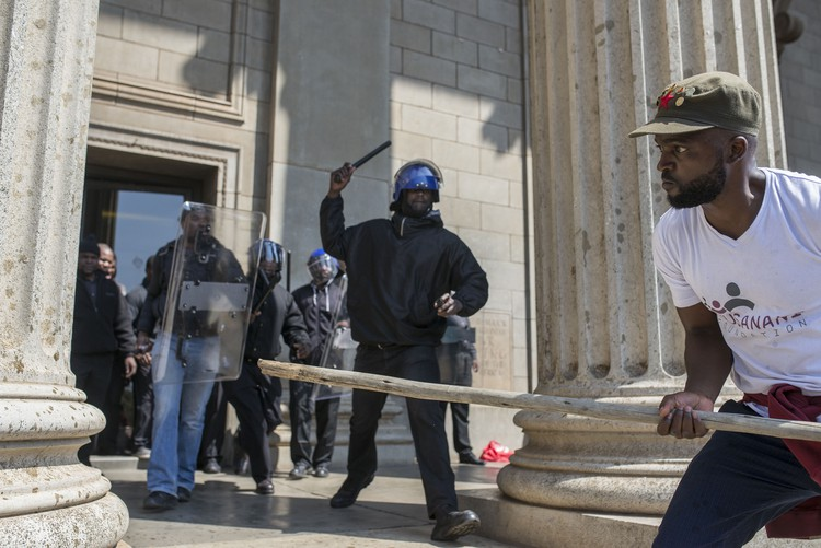 Photo of Wits student protesters and private security
