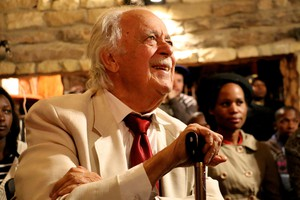 Photo of George Bizos