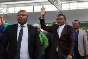Fikile Mbalula meets with Marikana residents