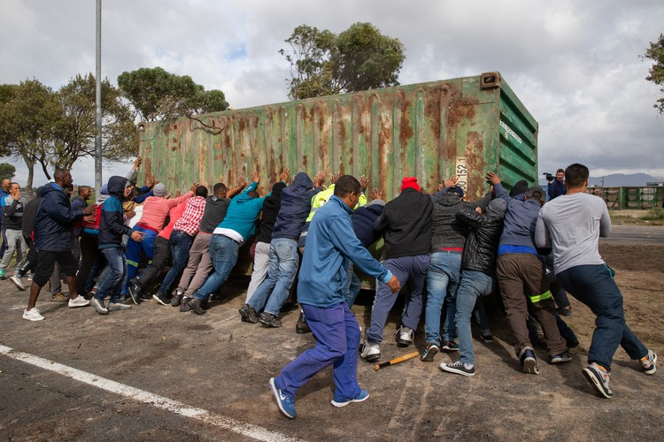 Violent Clashes Between Mitchells Plain And Siqalo
