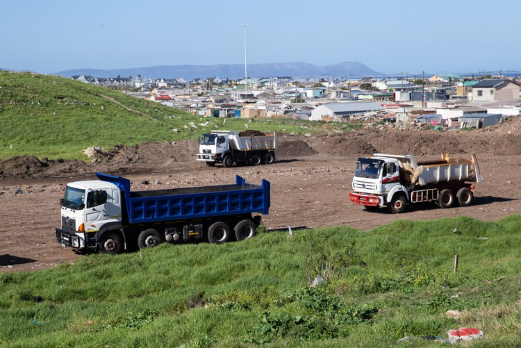 Photo of land clearing in Zwelitsha