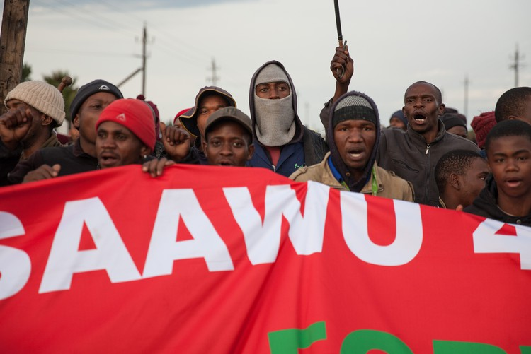 Grabouw community protests for increased wages for farm workers