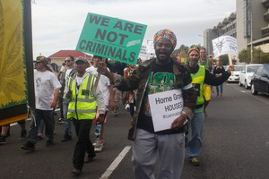 Photo of march in Cape Town for decriminalisation of dagga