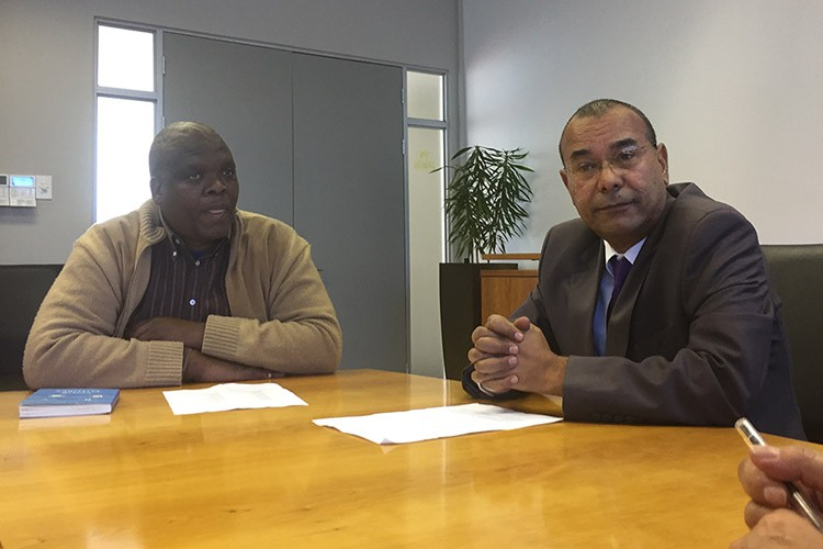 Photo of Madoda Cuphe and Rodney de Kock