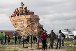 "Youth from Vrygrond build a sculpture titled ""Ubuntu"""