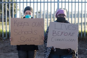 Protest to keep schools closed