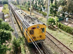 Train at Rondebosch Station