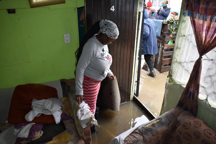 Yoliswa Nakani says her family have nowhere to sleep on Friday night after their home was flooded. Photo: Buziwe Nocuze