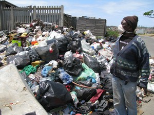 Photo of garbage near resident's shack