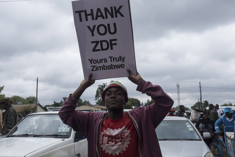 Many protesters thanked the Zimbabwe Defense Force for the coup.
