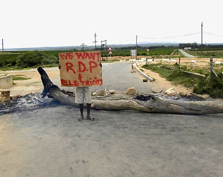 Addo shut down by protests