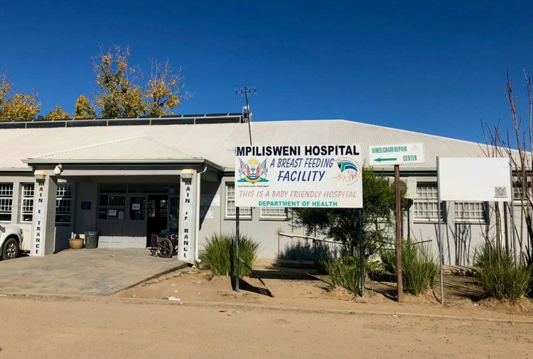 Nurses and doctors have stopped work at Mpilisweni Hospital since Wednesday, demanding protective equipment and assistance with rental accommodation for doctors. Photo: Nombulelo Damba-Hendrik