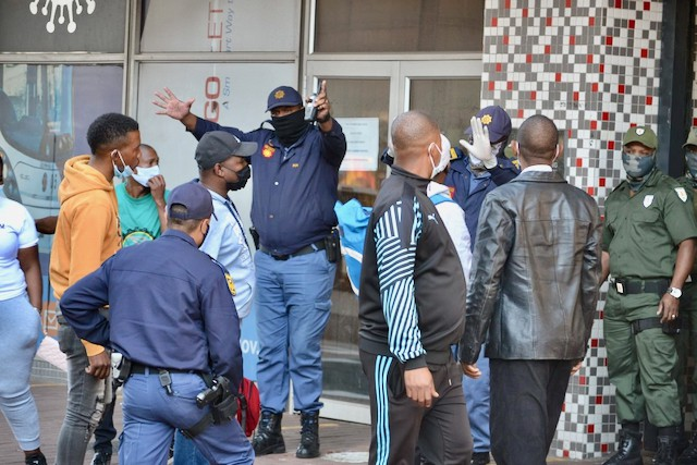 Unemployed security guards shut down municipal customer care centre