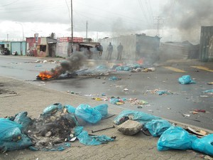 Photo of burning tyres and rubbish