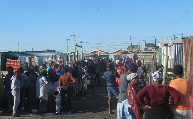 Photo of shacks on occupied land in Philippi