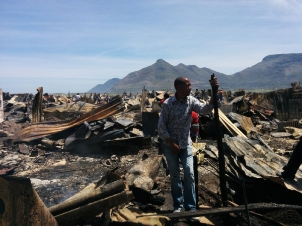 Photo of aftermath of fire in Masiphumelele.