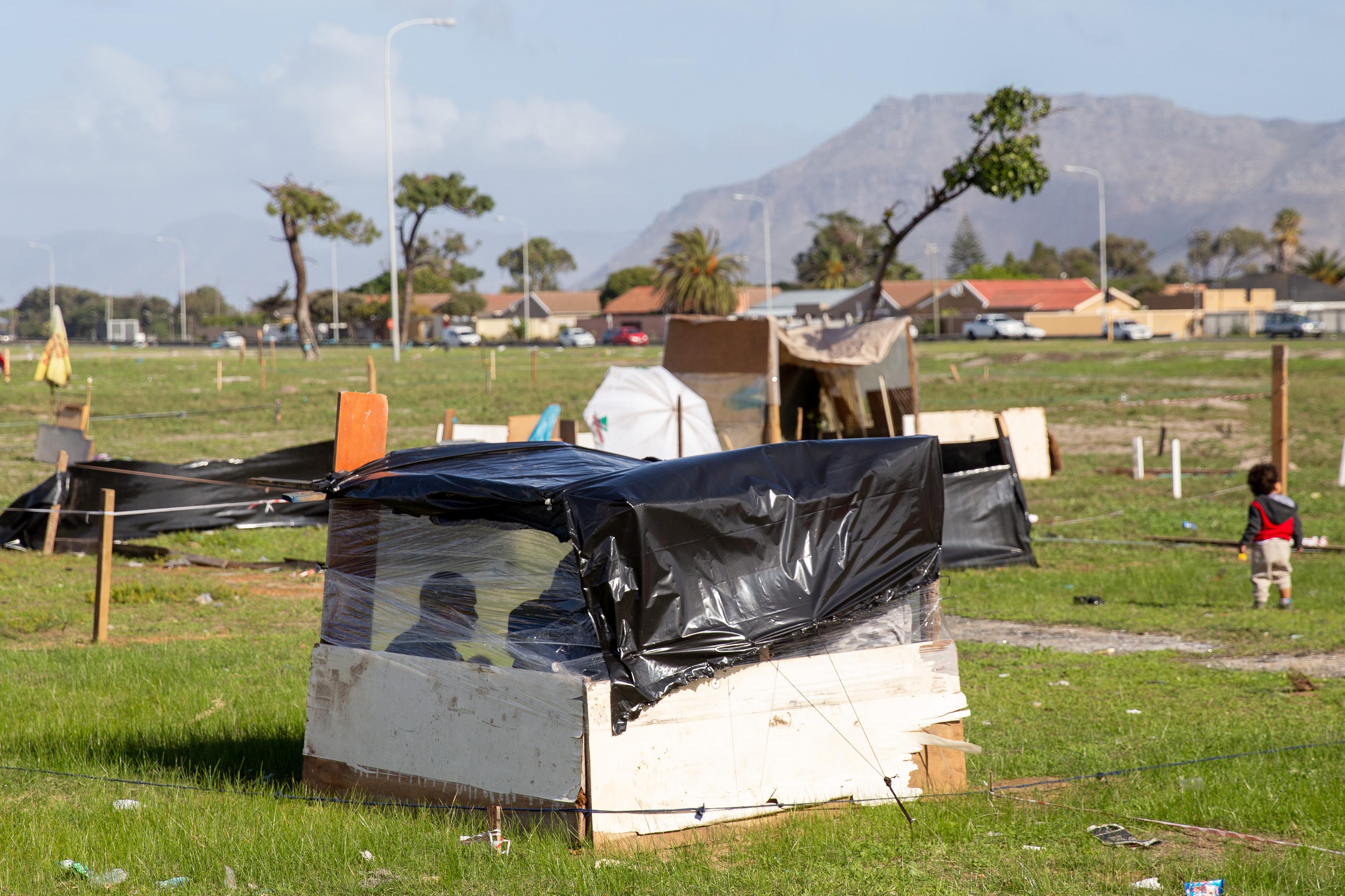 "Parkwood residents ""losing hope"" of receiving social housing"