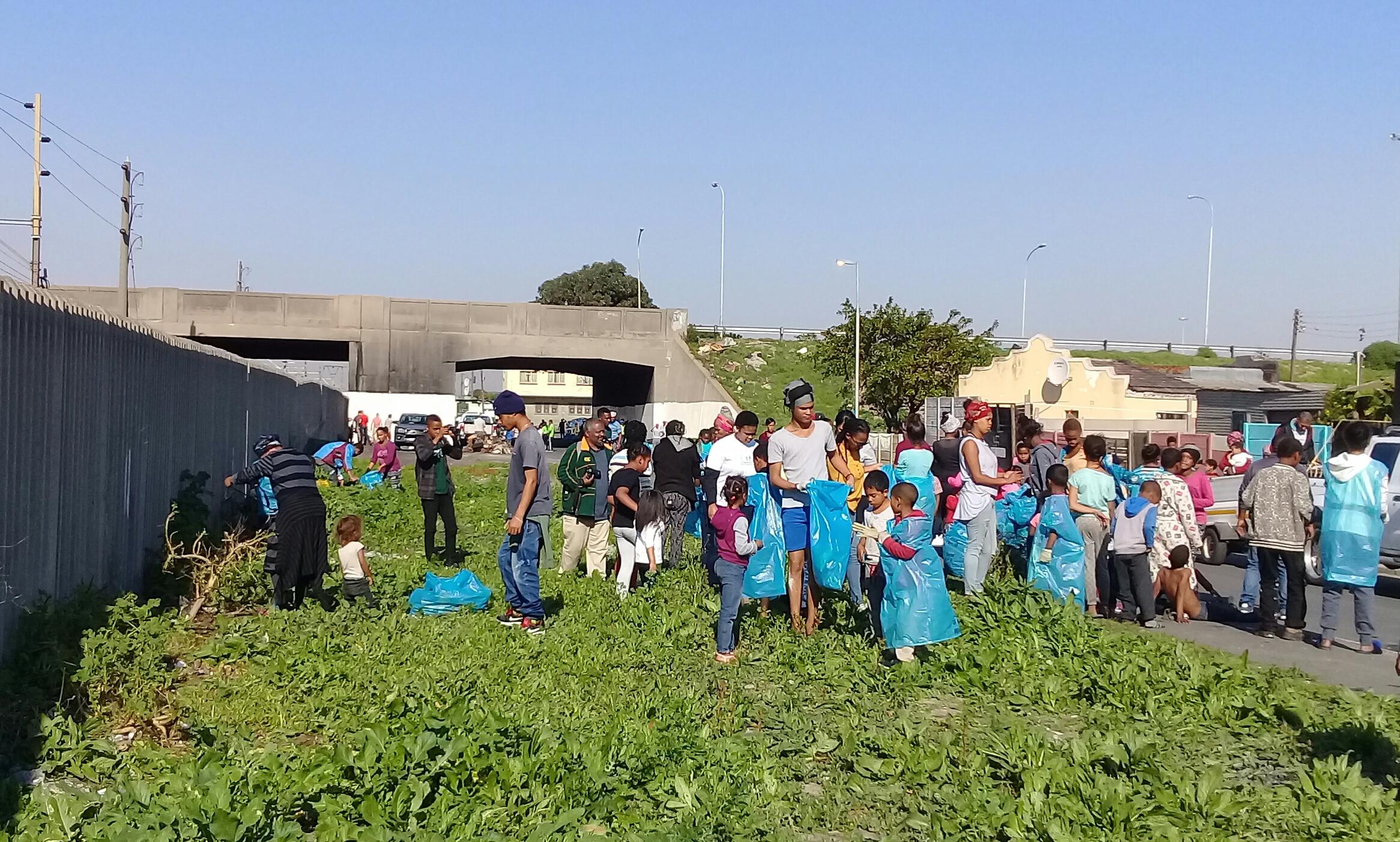residents  u201ctake back u201d their community with clean